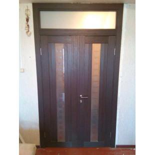 дверь 16Х Венге с фрамугой в интерьере