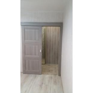 фото двери в интерьере 3х орех пекан раздвижная