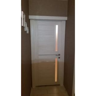 Фото двери 19х эшвайт в интерьере